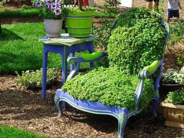 old-armchair-greening-highlight-garden-decoration-ideas