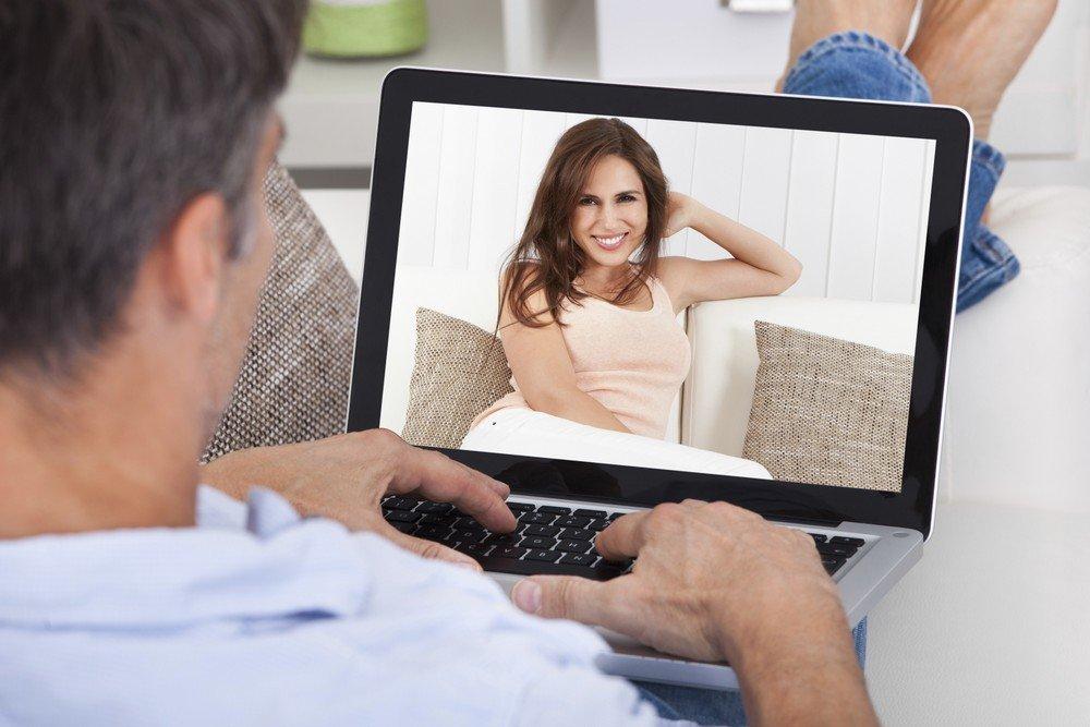 как показать друзьям фото через интернет