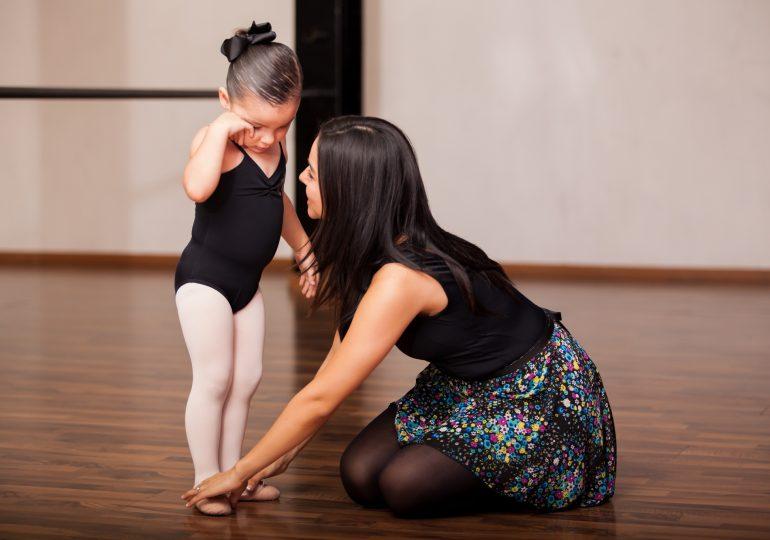 Как правильно выбрать тренера по бальным танцам для детей
