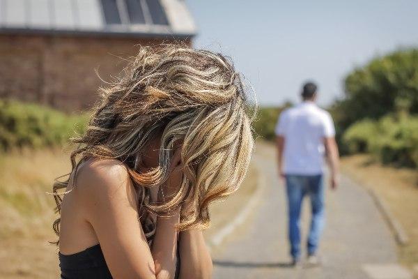 Что может оттолкнуть мужчину в начале отношений?...