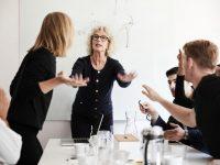 Мнение о коллегах женщины за 40