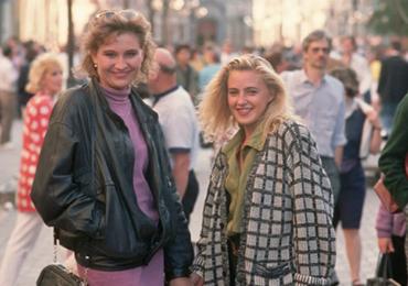 Мода 90-х в России - какой помнят её в Космо. Кажется всё становится на свои места.